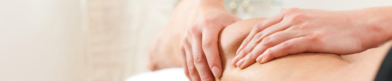 Technique osteopathie mains sur une jambe Manon Reynaud